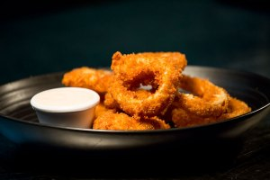 Classic Crumbed Onion Rings